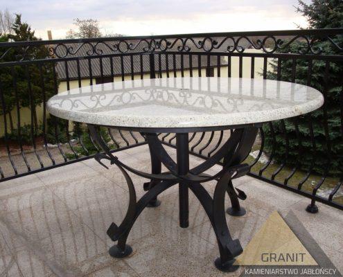 stół ogrodowy z granitu